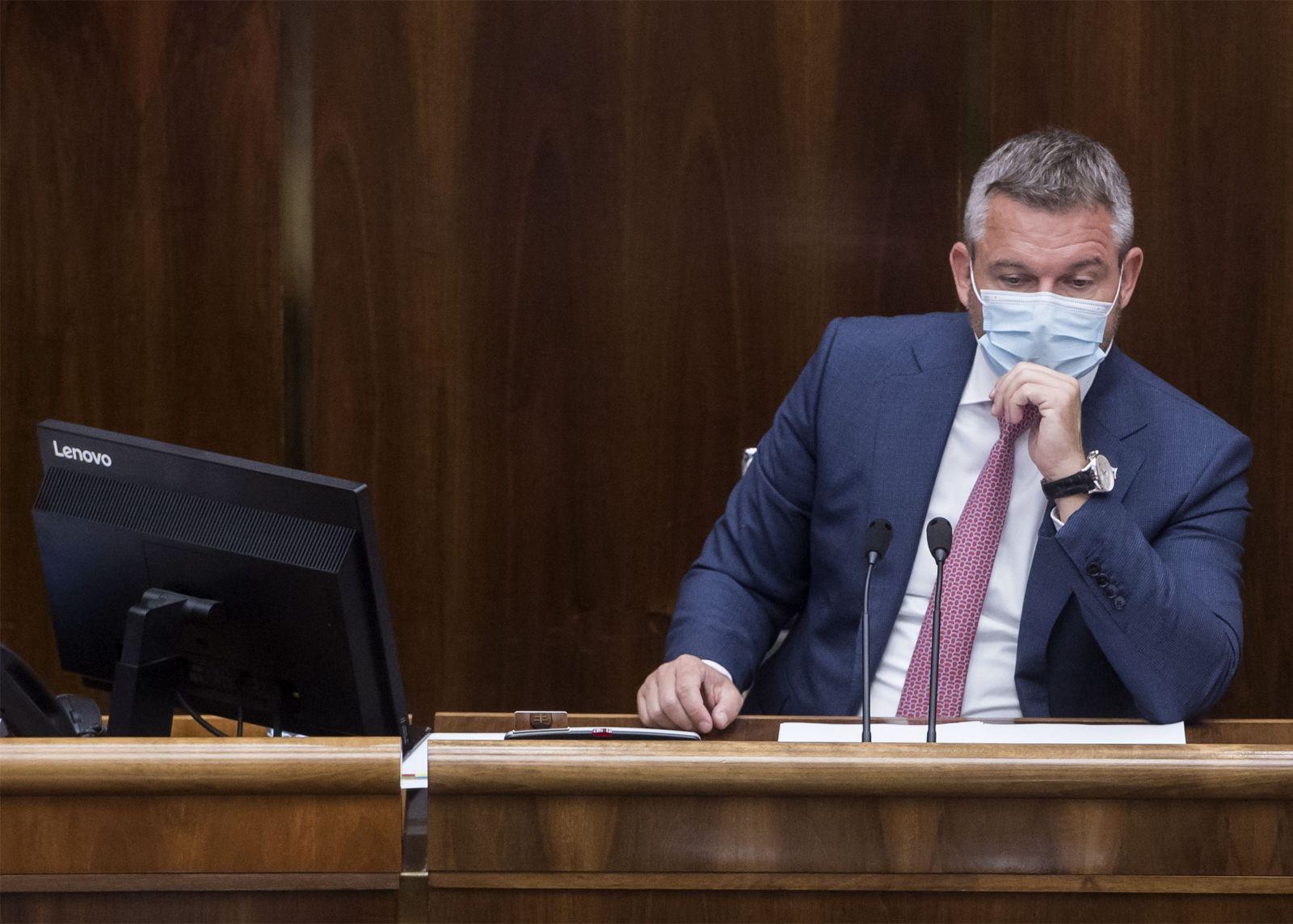 Pellegrini: Nikomu nebudem brániť, aby sa šiel poprechádzať po Bratislave. Matovičova vláda sa nás bojí, vyhlásil