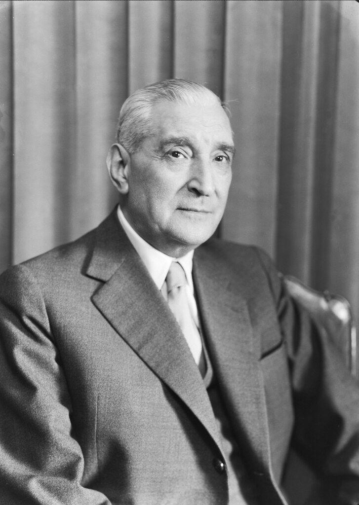 Najlepší diktátor Európy, ktorý prežil výbuch bomby z 3 metrov a dovládol so zakrvácaným mozgom. Salazar zmenil Portugalsko