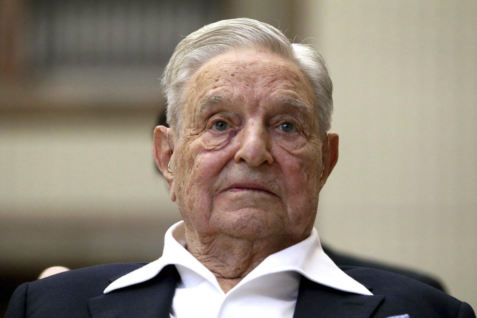 George Soros je ako Hitler a Európa je jeho plynová komora, napísal komisár maďarskej vlády