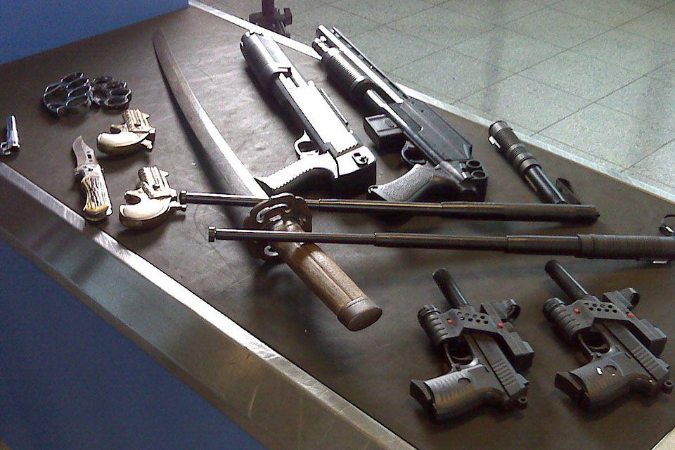 U rakúskeho seniora našli 40 automatických zbraní, milión kusov nábojov aj stovky revolverov