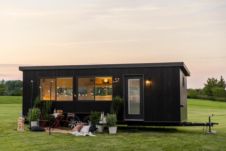 IKEA vyrobila miniatúrny dom, ktorý môžeš zaparkovať kdekoľvek tvoje srdce zatúži. Cena aj udržateľnosť potešia záujemcov