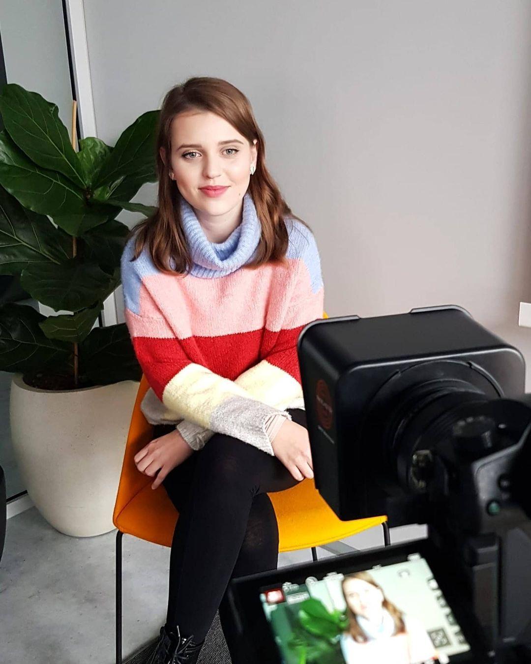 Sandra z Dejepisu inak uznáva, že jej videá vykazujú prvky plagiátorstva. Anonymovi sa nepáči, že na nich zarába a neuvádza zdroje