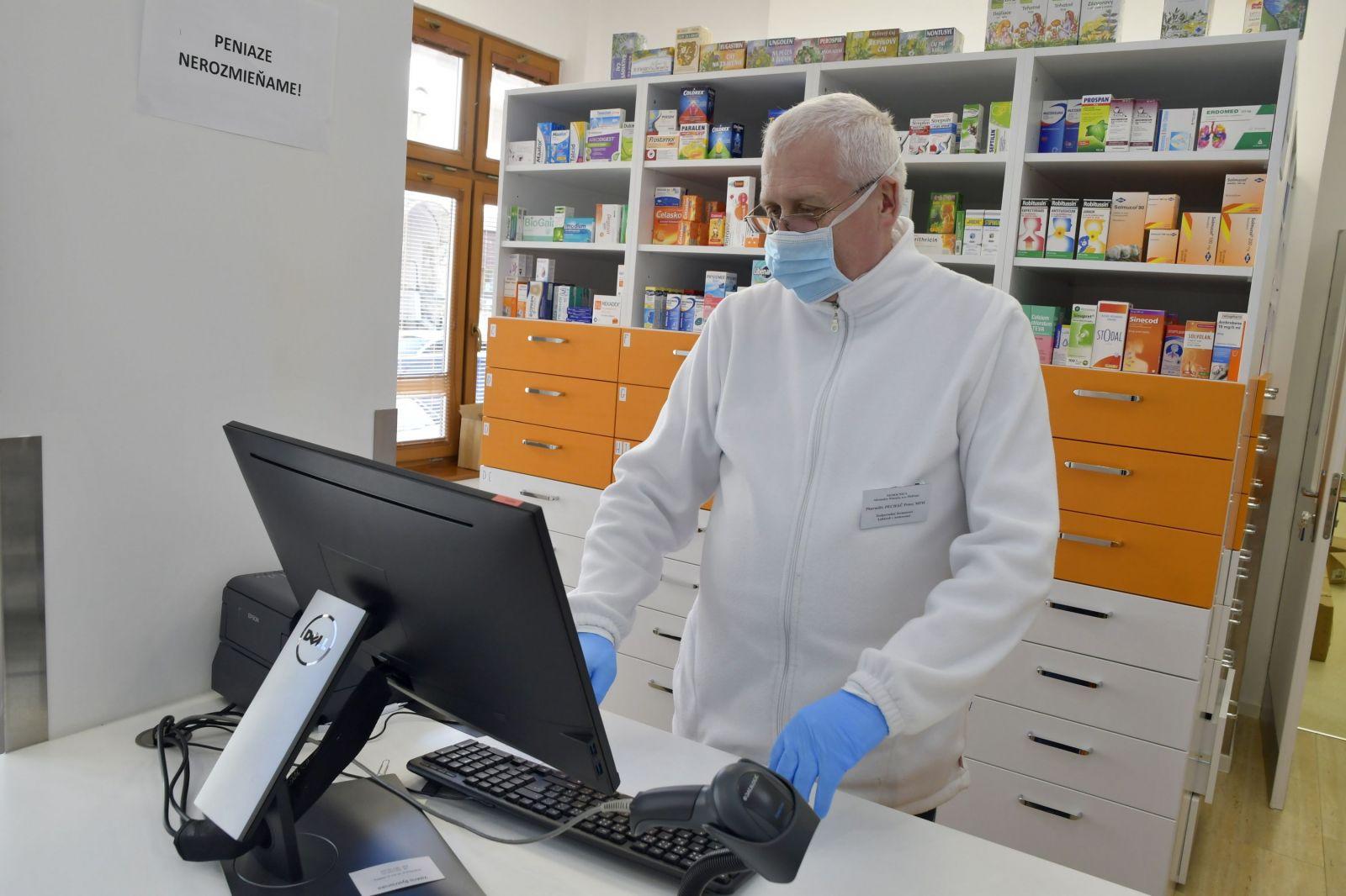 Tieto nové lieky schválilo ministerstvo zdravotníctva na liečbu Covid-19. V nemocniciach a lekárňach majú pribúdať tisícky balení