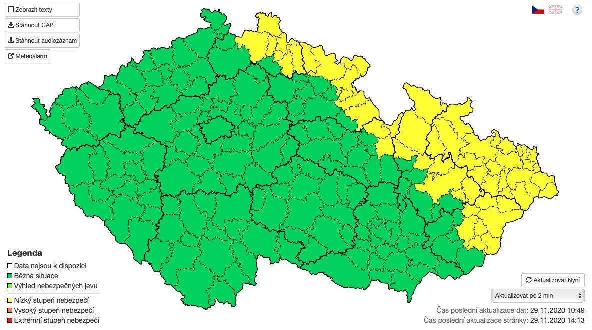 Žlutá místa označují území, kde se očekává náledí