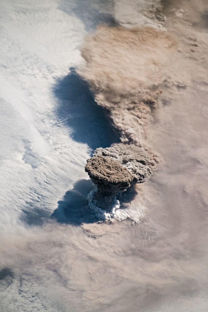 Sopka, ktorá vybuchla v Rusku pred pár mesiacmi spôsobila, že na celom svete bola obloha pri západe, či východe slnka fialová