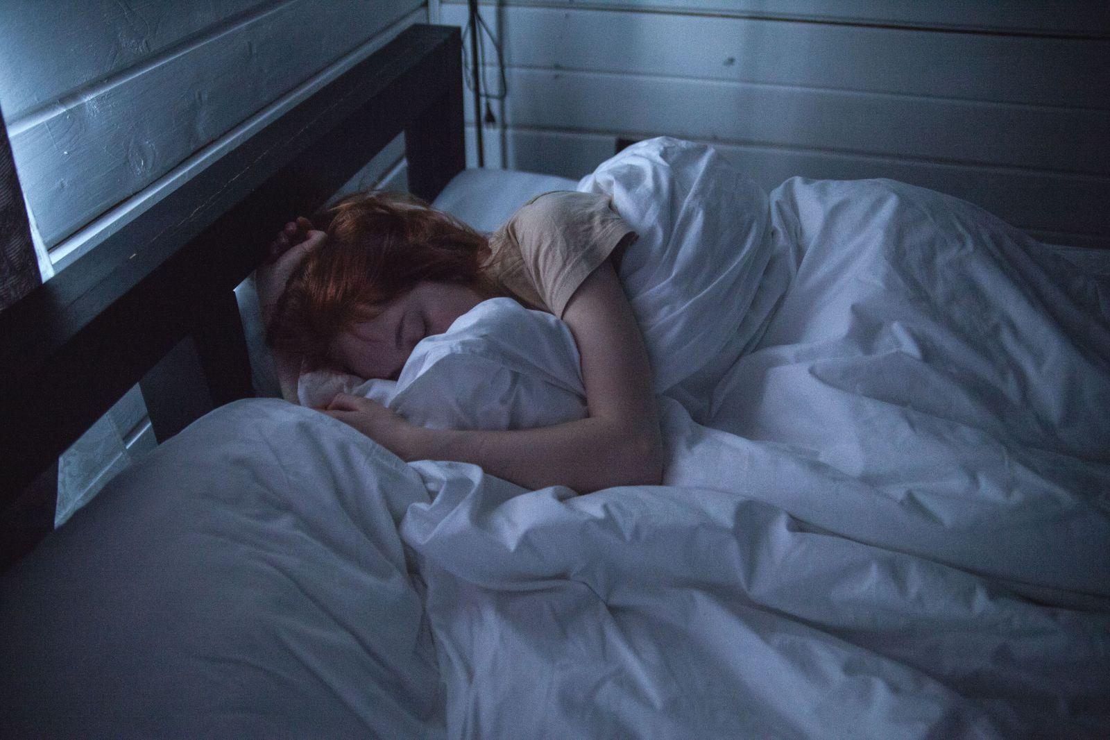 Odborníci na spánok podporujú myšlienku zdriemnutia si v práci. Hovoria, že to bude viesť k väčšej produktivite