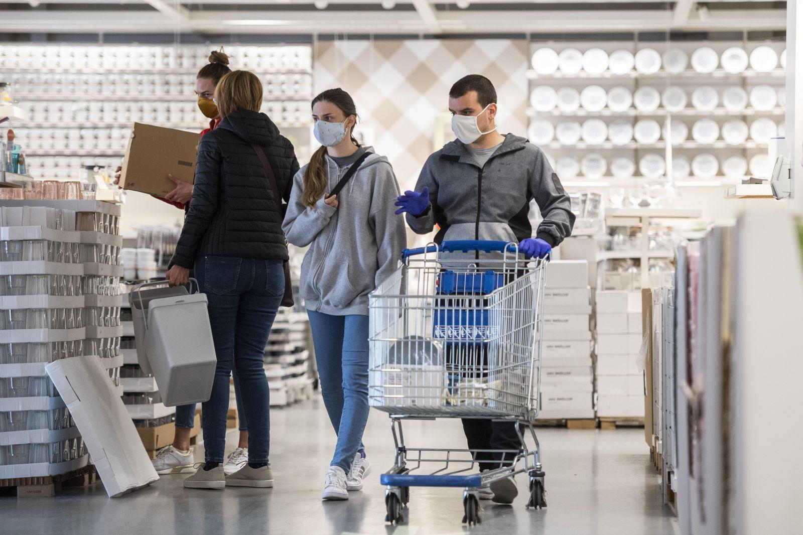 V obchodním domě Ikea na Černém mostě se mezi zaměstnanci šíří koronavirus