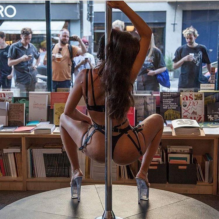 Striptérka Syybila: miluji autoerotickou show, to je takové live porno. Je to i dost fetiš (rozhovor)