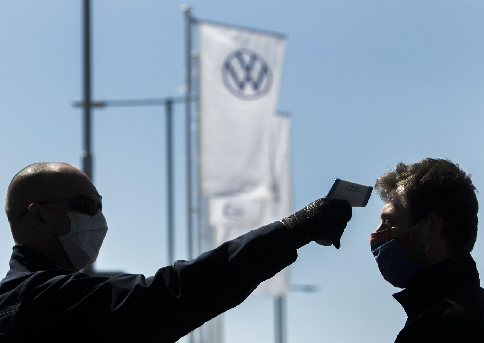 Vo Volkswagene hlásia zamestnanca nakazeného koronavírusom. Činnosť prevádzky neprerušia