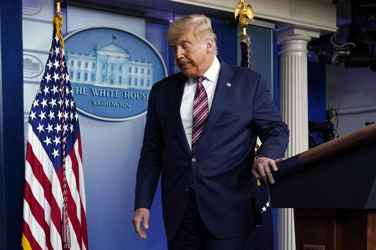 Joe Biden je pripravený vyhrať prezidentské voľby v USA. Donald Trump tvrdí, že nemá v pláne uznať porážku