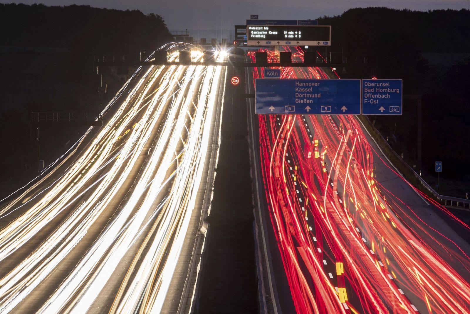Holandsko je prvou európskou krajinou, ktorá zníži povolenú rýchlosť na diaľnici. Dôvodom sú škodlivé emisie