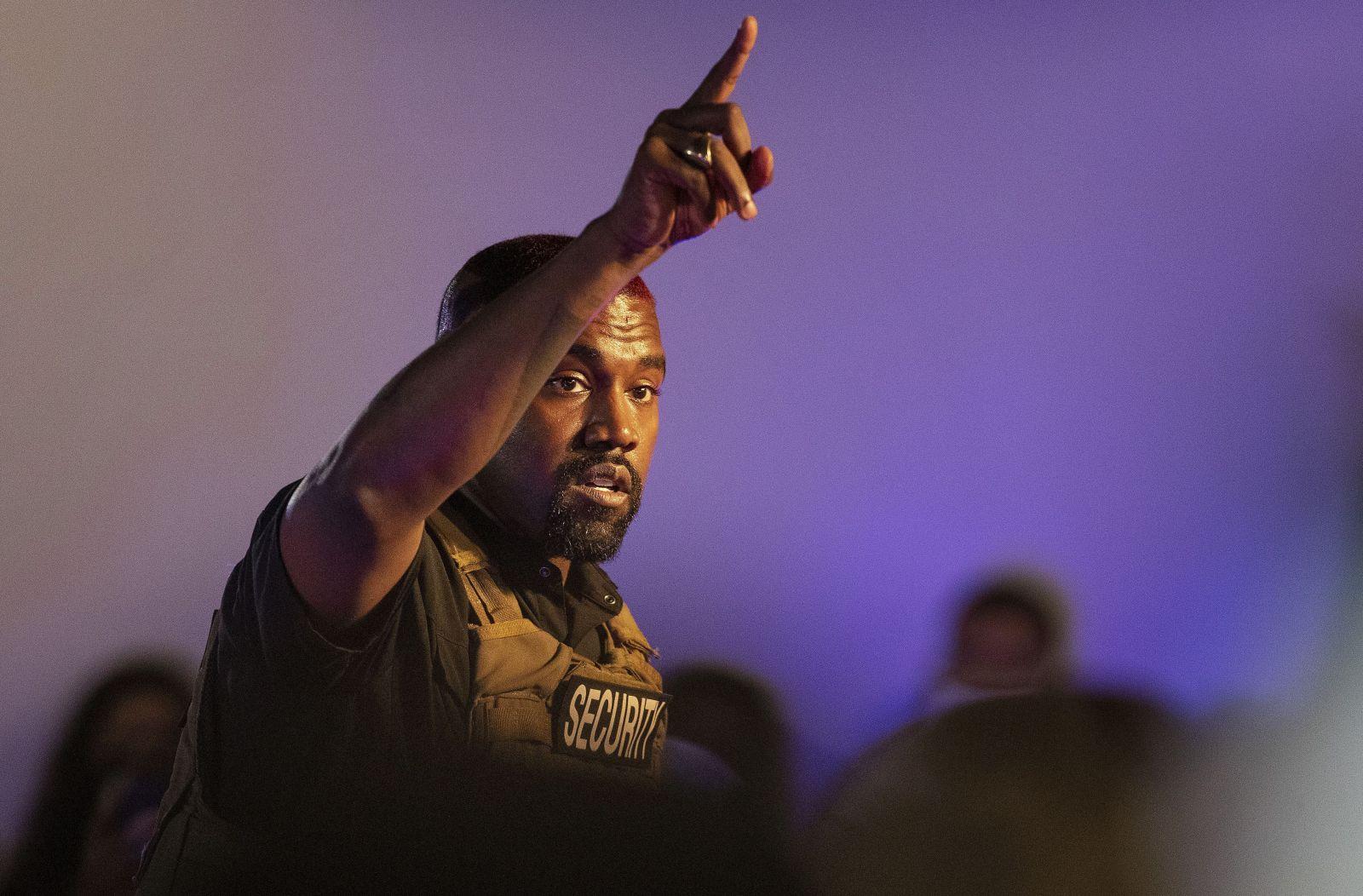 Kanye West si na svoju prezidentskú kampaň požičal už takmer 7 miliónov dolárov. Politickým konzultantom už dlhuje milión
