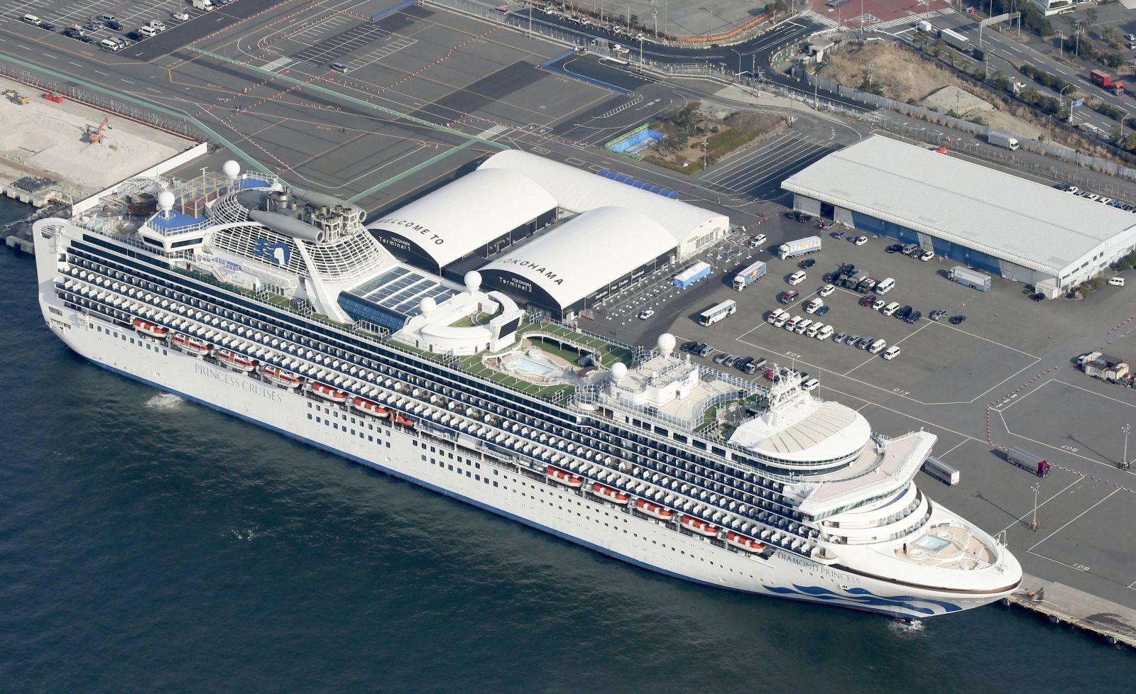 Na palube nakazenej výletnej lode sa nachádza aj Slovák. Tisícky pasažierov sú uzatvorení v karanténe