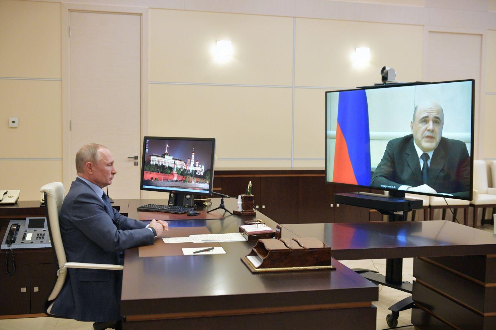 Ruský premiér Michail Mišustin má koronavírus. Uviedol to počas videohovoru s Putinom