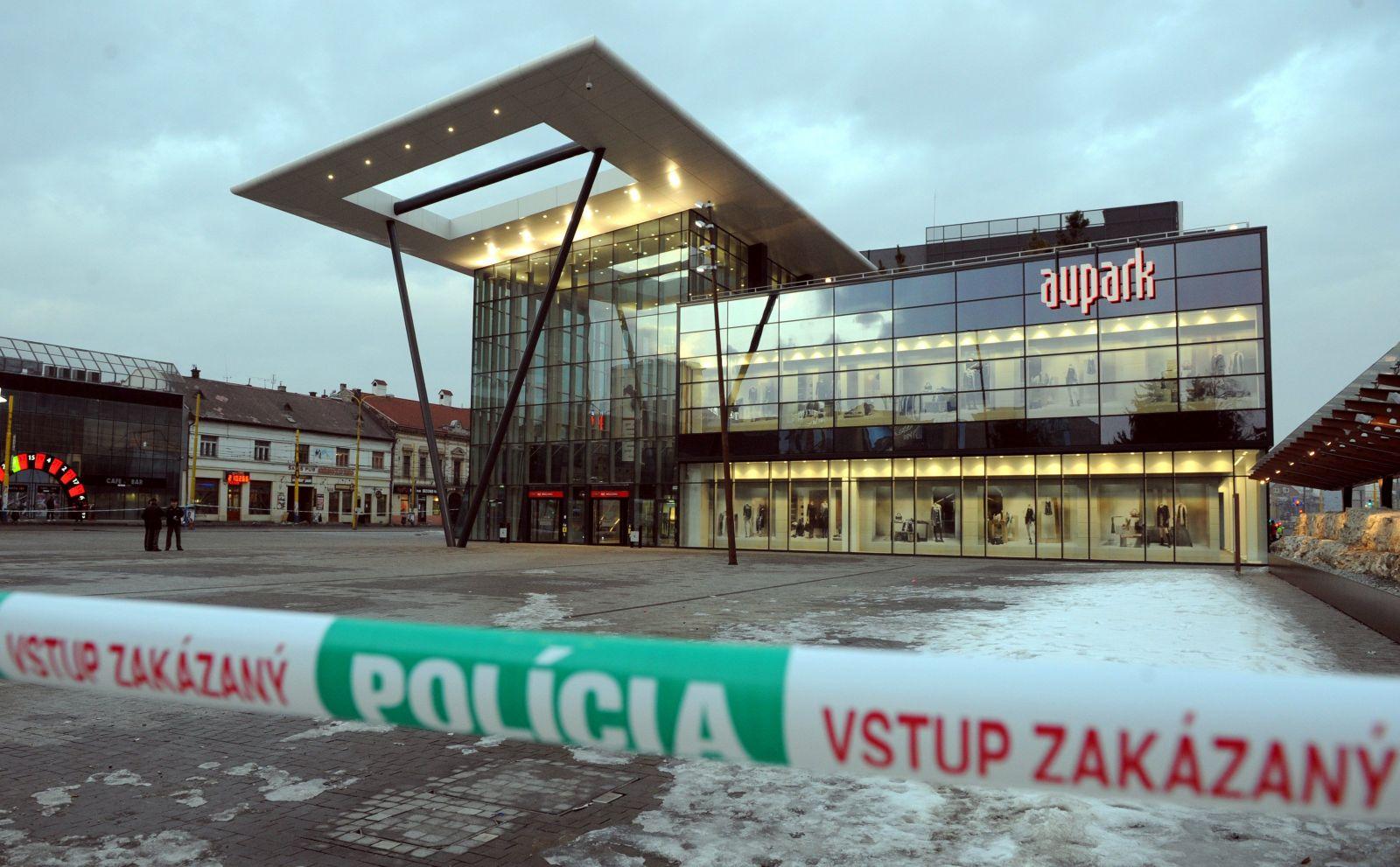 V Košiciach evakuujú Aupark, v budove mala odpadnúť staršia osoba