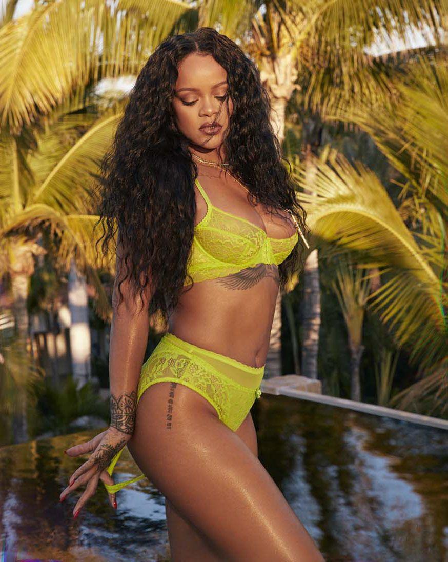 Rihanna opäť dráždi svojimi hriešnymi krivkami. Zapózovala v erotickej bielizni v rámci novej kolekcie Savage x Fenty