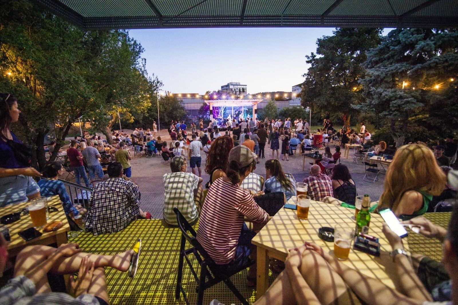 Leto v Novej Cvernovke rozhodne nekončí. Množstvo eventov, kino a párty, ktoré si nesmieš nechať ujsť