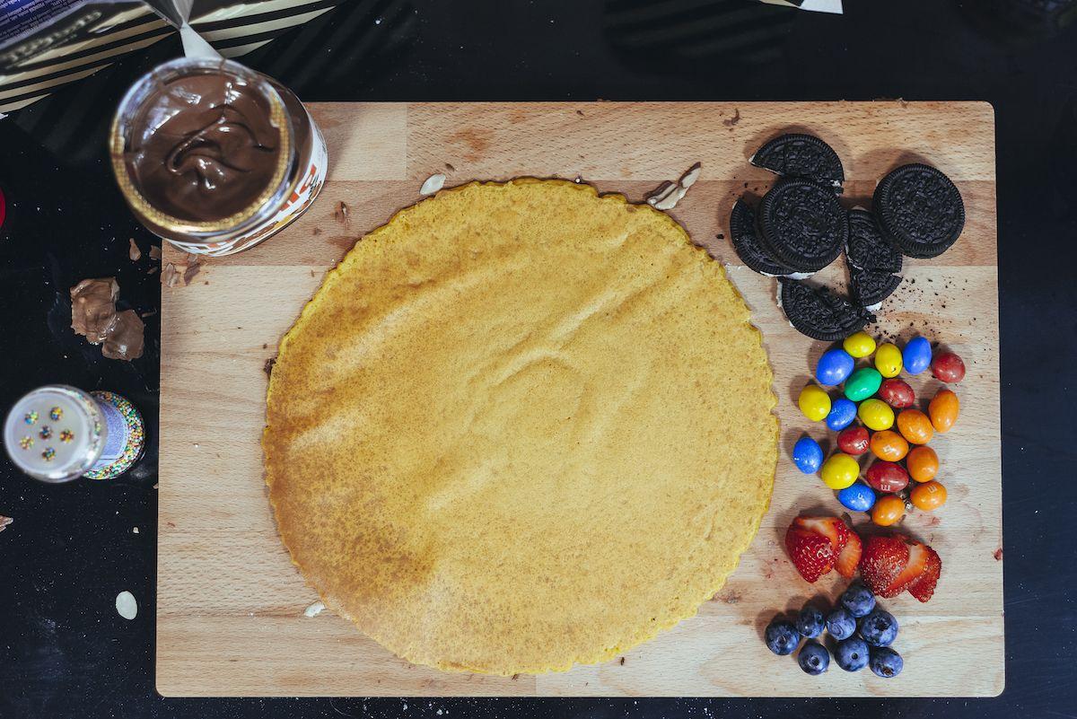 Namiesto mäsa sa na stroji točí 10-kilový valec čokolády. Čoko kebab nájdeš  už aj v Eurovei