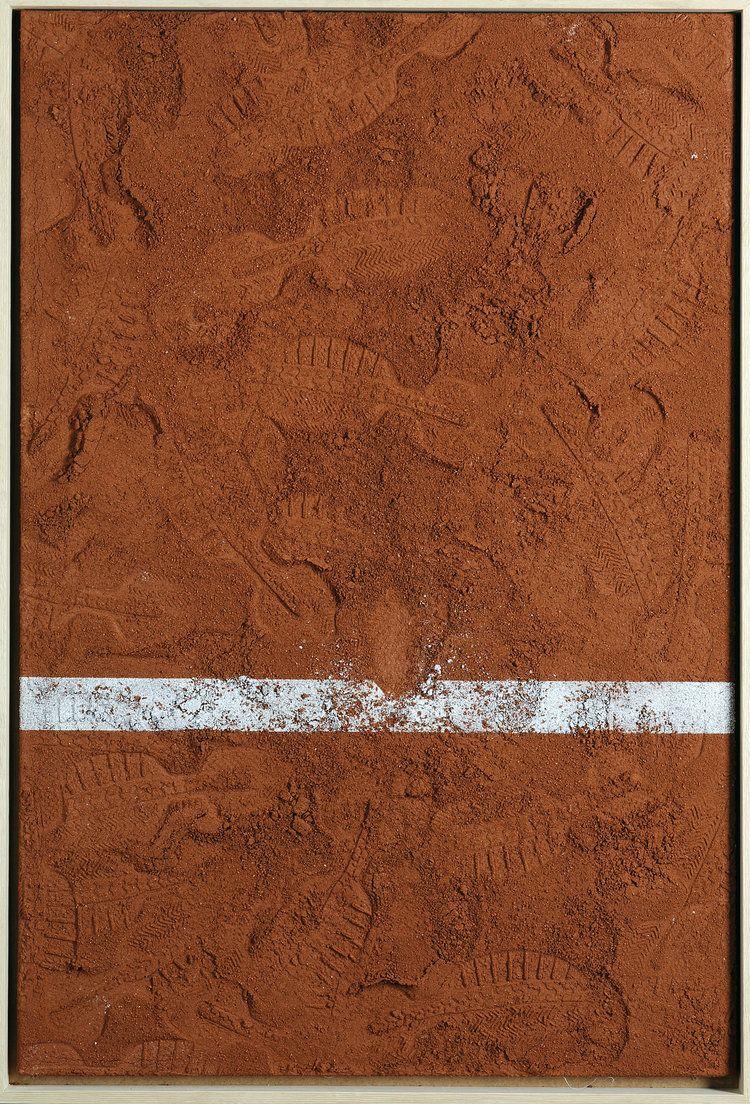 Z Národnej banky odkúpil haliere a tvoril z nich obrazy. Dnes má vlastnú menu a jeho diela vystavujú po celom svete (Rozhovor)