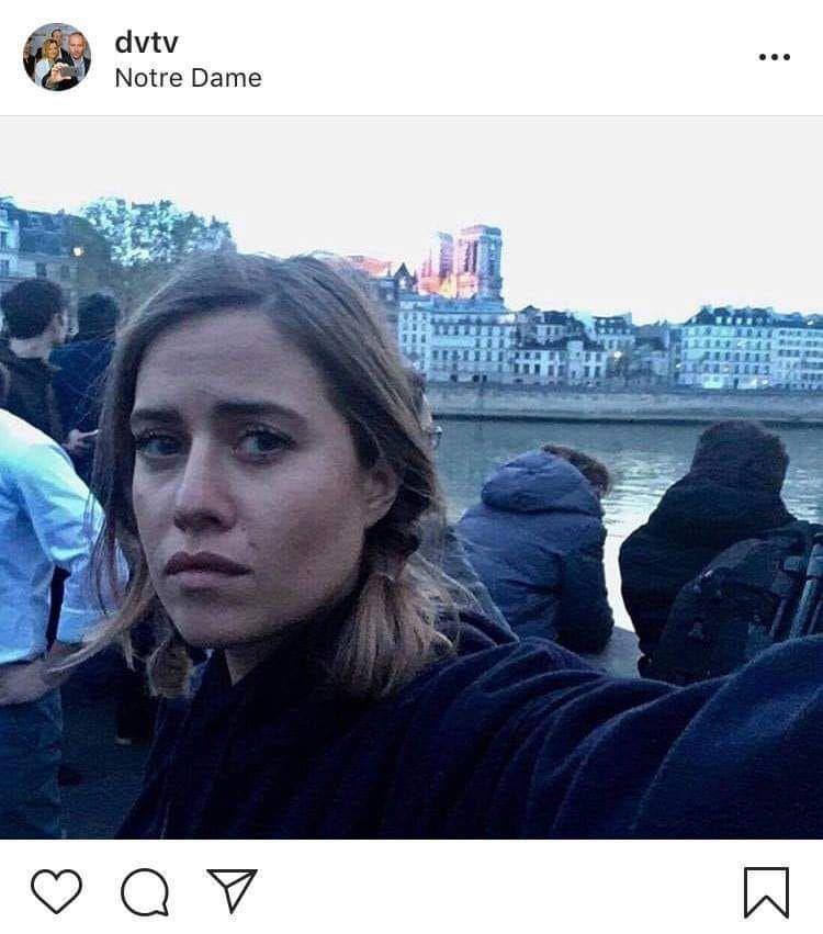 Selfie s katastrofami. Emma Smetana je meme dnešního dne