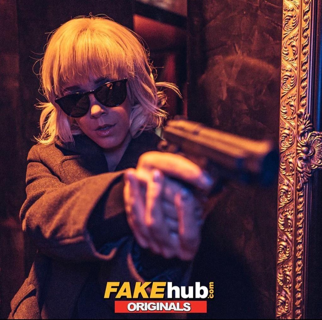 Atomic Babe (Atomic Blond) XXX parody of Fake Hub