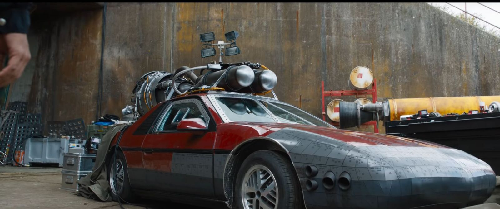 5 najšialenejších momentov z traileru pre Rýchlo a zbesilo 9: Vin Diesel je Superman a autá majú namiesto motorov rakety