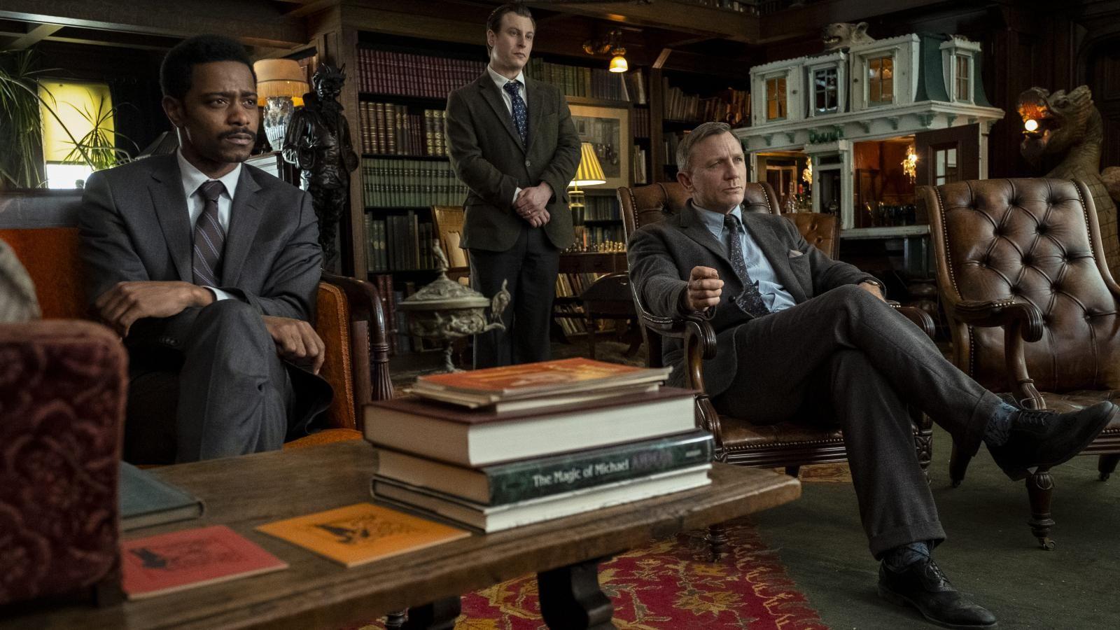 Recenzia: Knives Out je dokonalou detektívnou zábavou s premyslenými zvratmi a úžasnými hercami