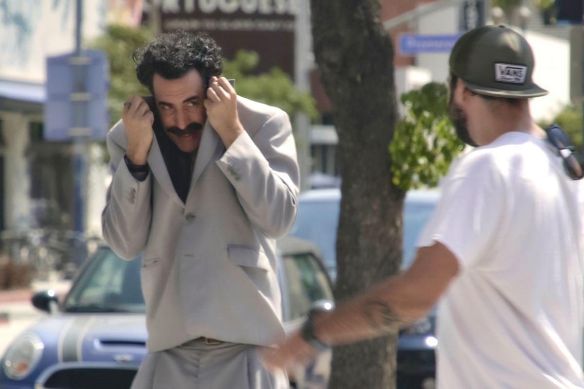 Recenzia: Borat 2