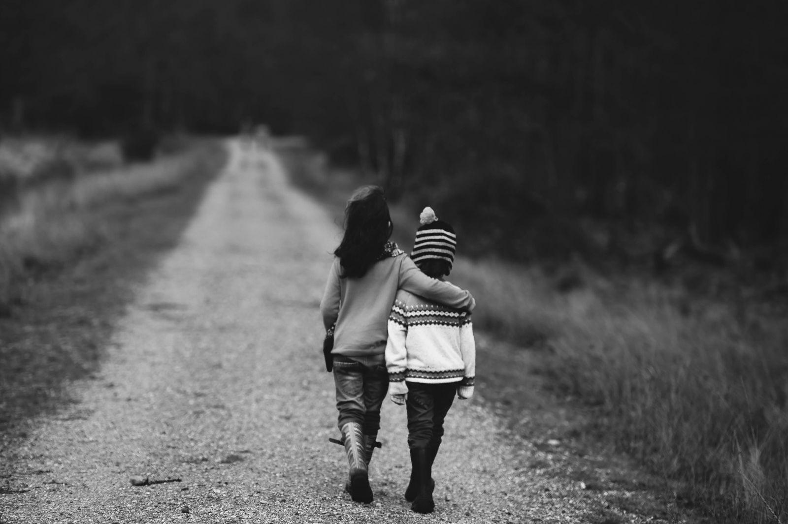 Faktory ovlpyvnujjuce vývin človeka / homosexuálni rodičia/neuplná rodina/súrodenci