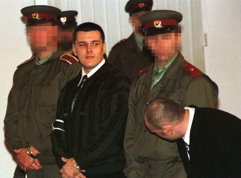 Černák ho dobodal do chrbta a ďalší mafián mu odrezal hlavu. Profil bossa bossov, ako sa stal šofér šéfom slovenského podsvetia