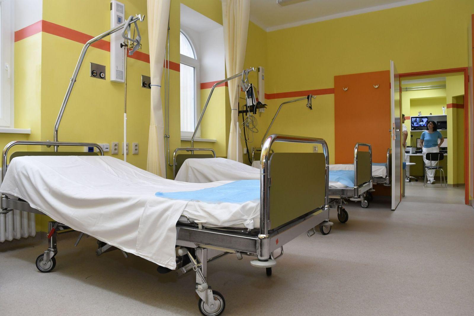 Nitrianska nemocnica: Namietame, že sa pacientovi operovalo zdravé koleno