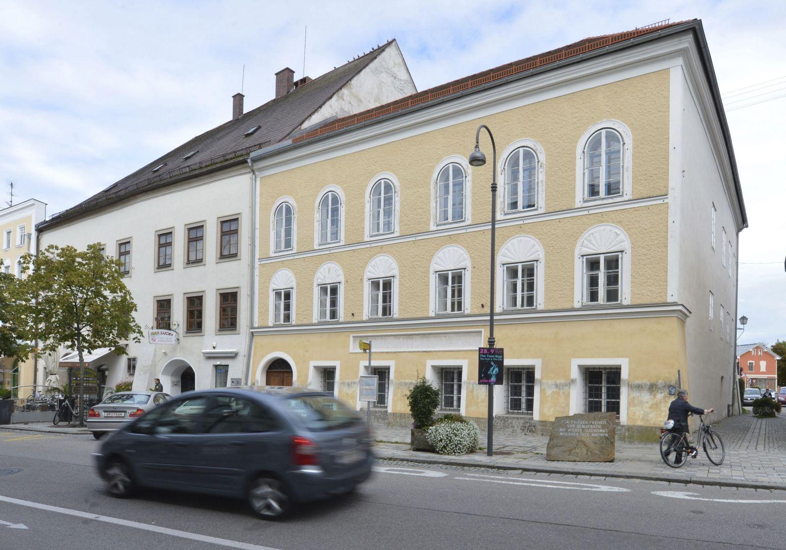Dom, v ktorom sa narodil Adolf Hitler (2012)