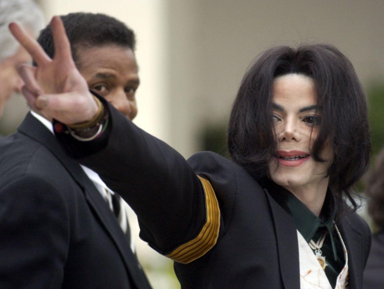 Simpsonovci stiahli epizódu s Michael Jacksonom. Môžu za to podozrenia z pedofílie