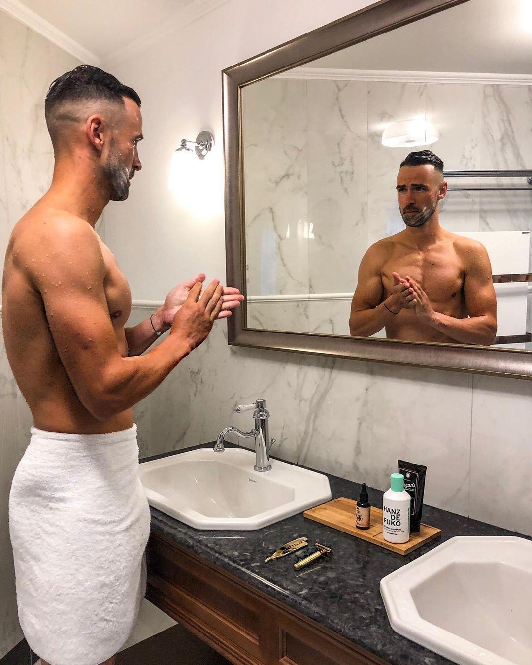 Tipy na starostlivosť o vlasy a bradu, ktoré by mal poznať každý muž