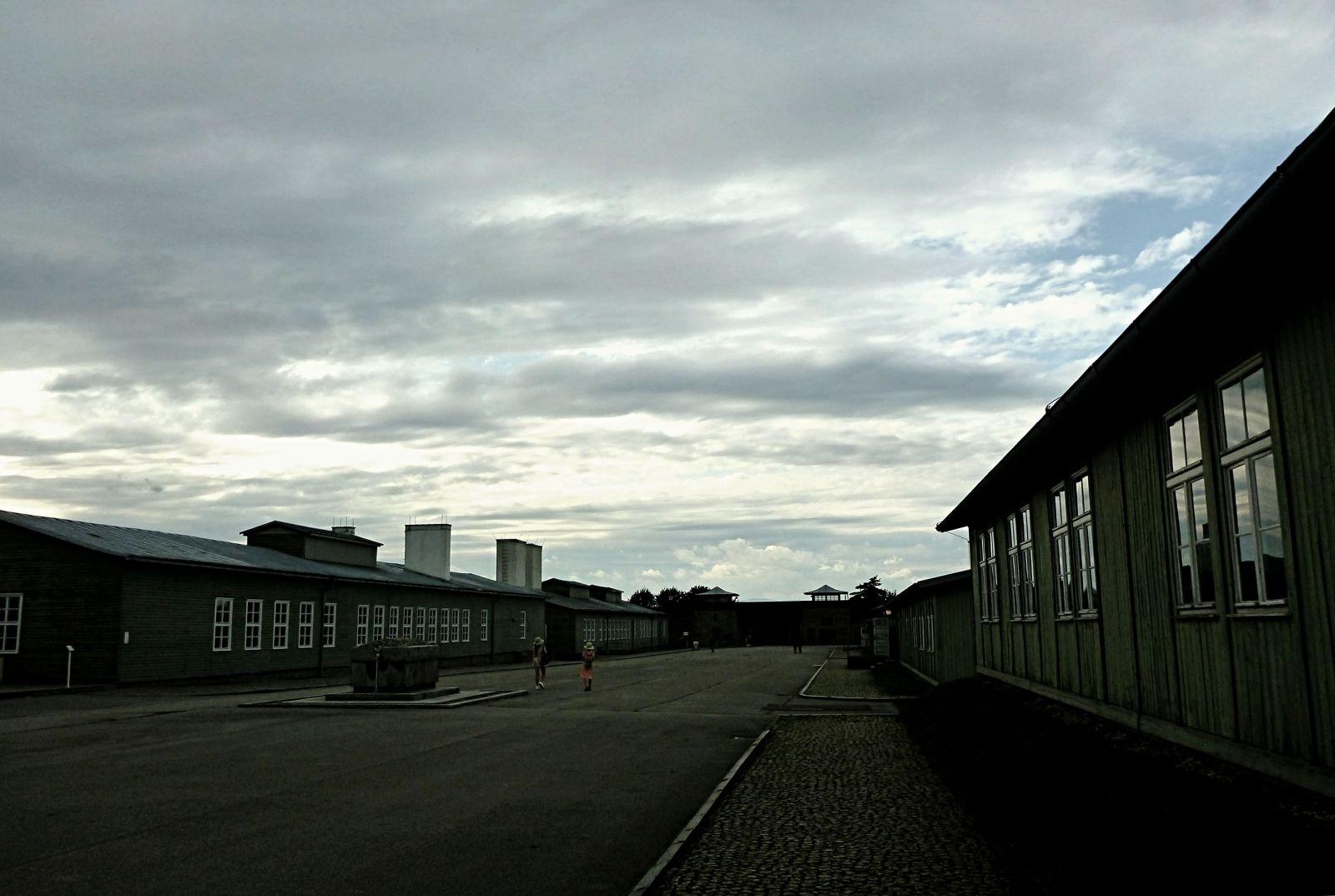Navštívili jsme koncentrační tábor Mauthausen, kde bylo zavražděno na 8 tisíc Čechů a Slováků