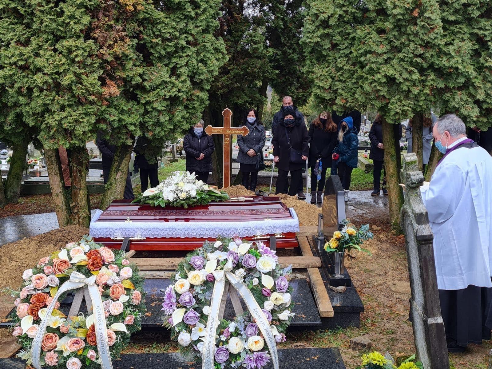 Majiteľ pohrebníctva: Nie je kam ukladať telá nebožtíkov. V tejto dobe je kríza medzi pohrebnými službami.