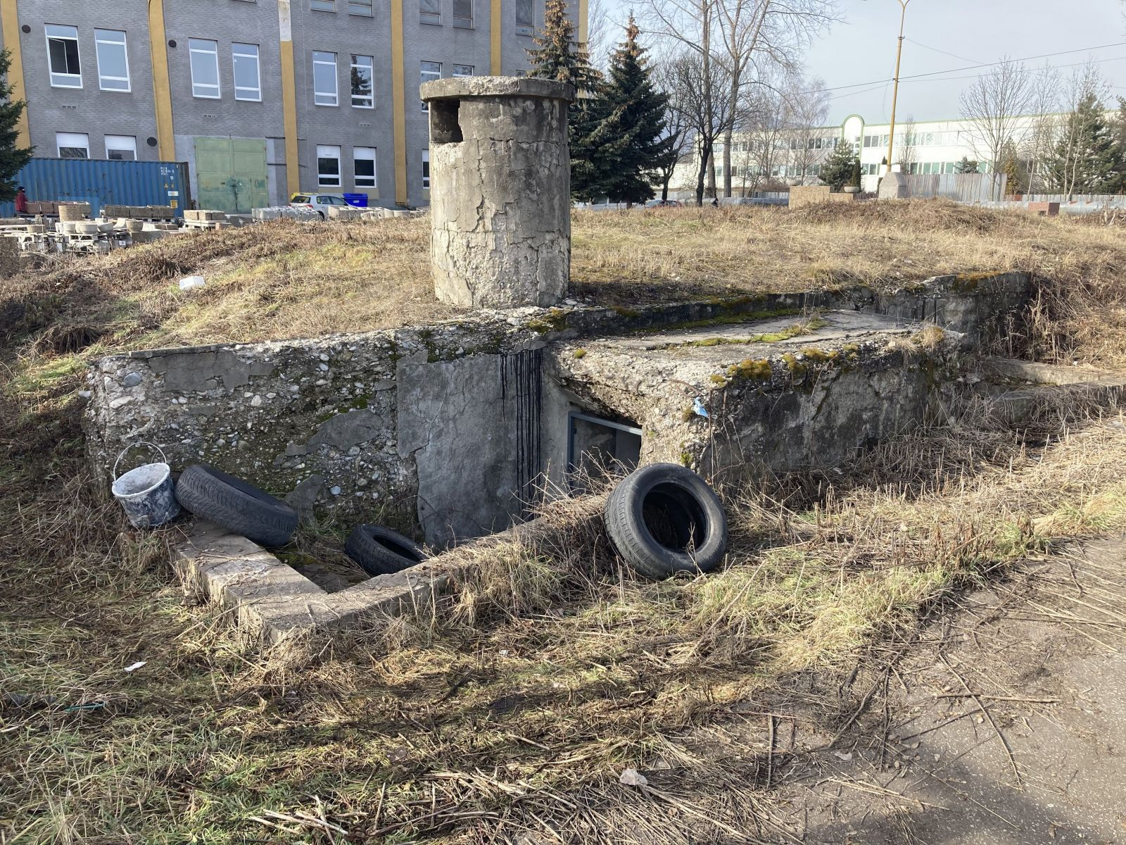 Okolie bunkra, kde sa vraždilo.