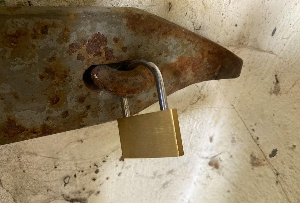 Najprv brutálna vražda, potom záhadné zmiznutie. Aké tajomstvá ukrýva opustený bunker v Martine?