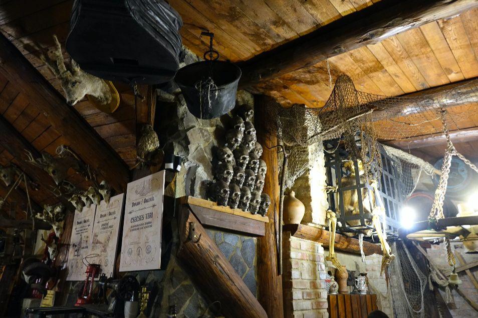 Boli sme sa nažrať v pravej sedliackej reštaurácii: V Štúrove ti najprv vynadajú, potom prinesú masu jedla (Reportáž)