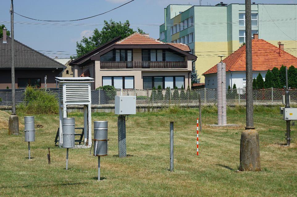 Praženica na palubovke auta a rozpálený asfalt. Ako sme prežili najhorúcejší deň v roku na jednom z najteplejších miest Slovenska?