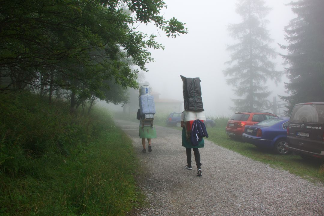 Vyskúšali sme si, aké to je, byť vysokohorským nosičom: zúfalstvo a únavu po dorazení do cieľa vystriedala eufória.