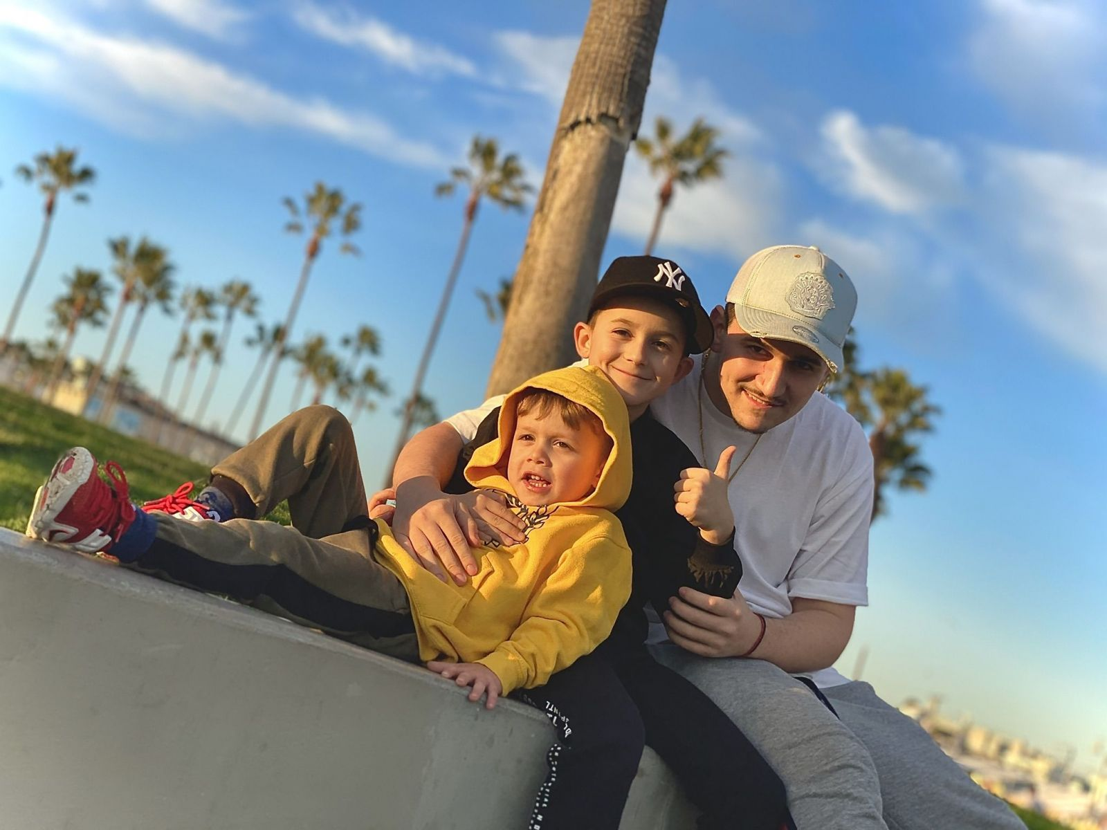 10-ročný Komárňan Aron už stihol jamovať s veľkými menami svetovej R&B scény. Vie o ňom aj Justin Timberlake či Lenny Kravitz