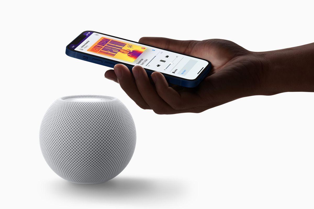 Pár uštipačných poznámok k iPhonu 12 alebo ako sa žije vo vesmíre Apple