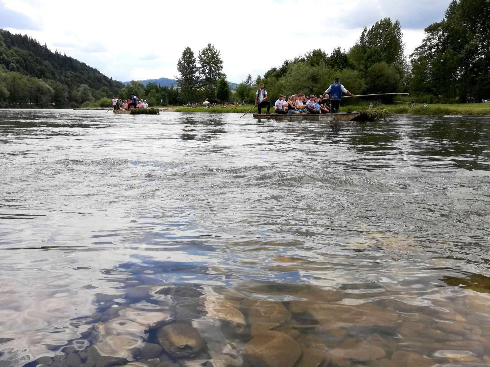 Ľadová voda pohraničného Dunajca v Pieninách je na letné osvieženie ako stvorená.