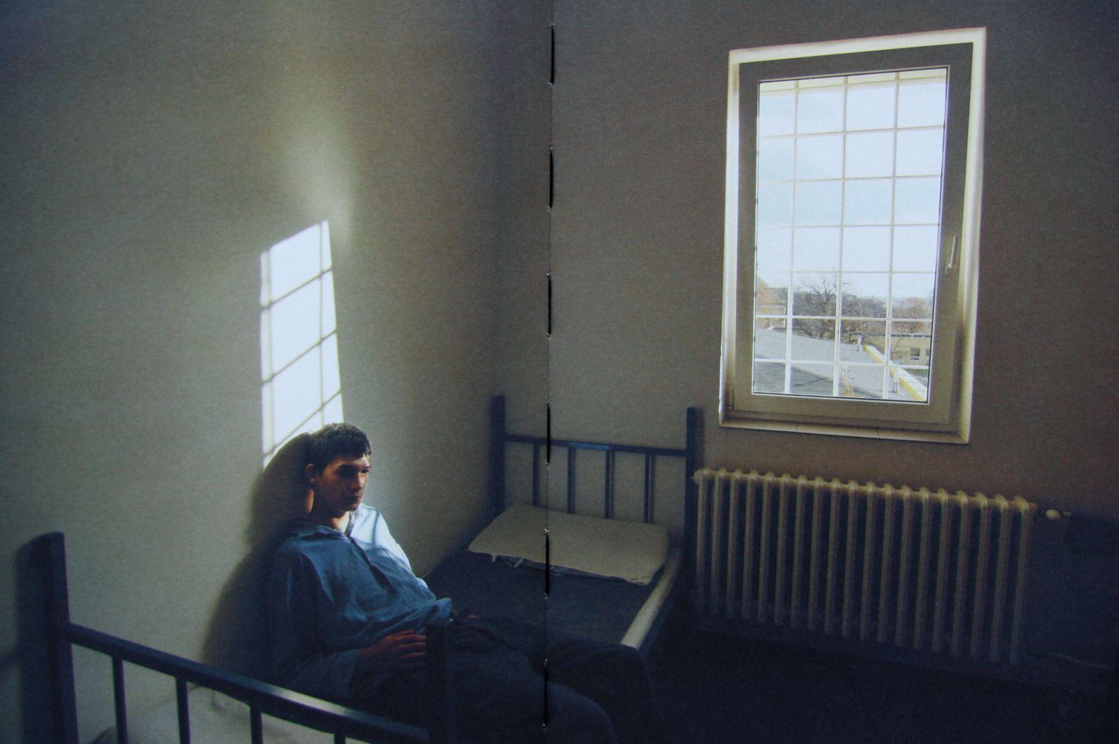 Fotí odsúdencov a čudákov. Ich odlúčenie a samotu. O väzňoch aj babe z lesa sme sa porozprávali s fotografkou Lenou Jakubčákovou