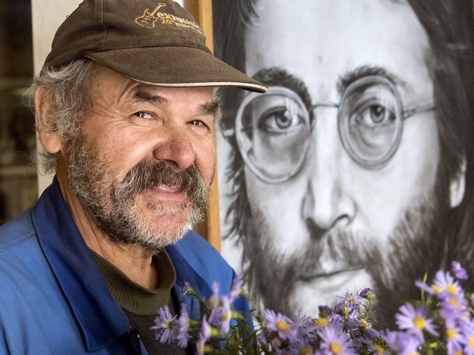 Som posadnutý Beatles, hovorí fanúšik najslávnejšieho Chrobáka. Časť mesta pretvoril na štvrť Johna Lennona