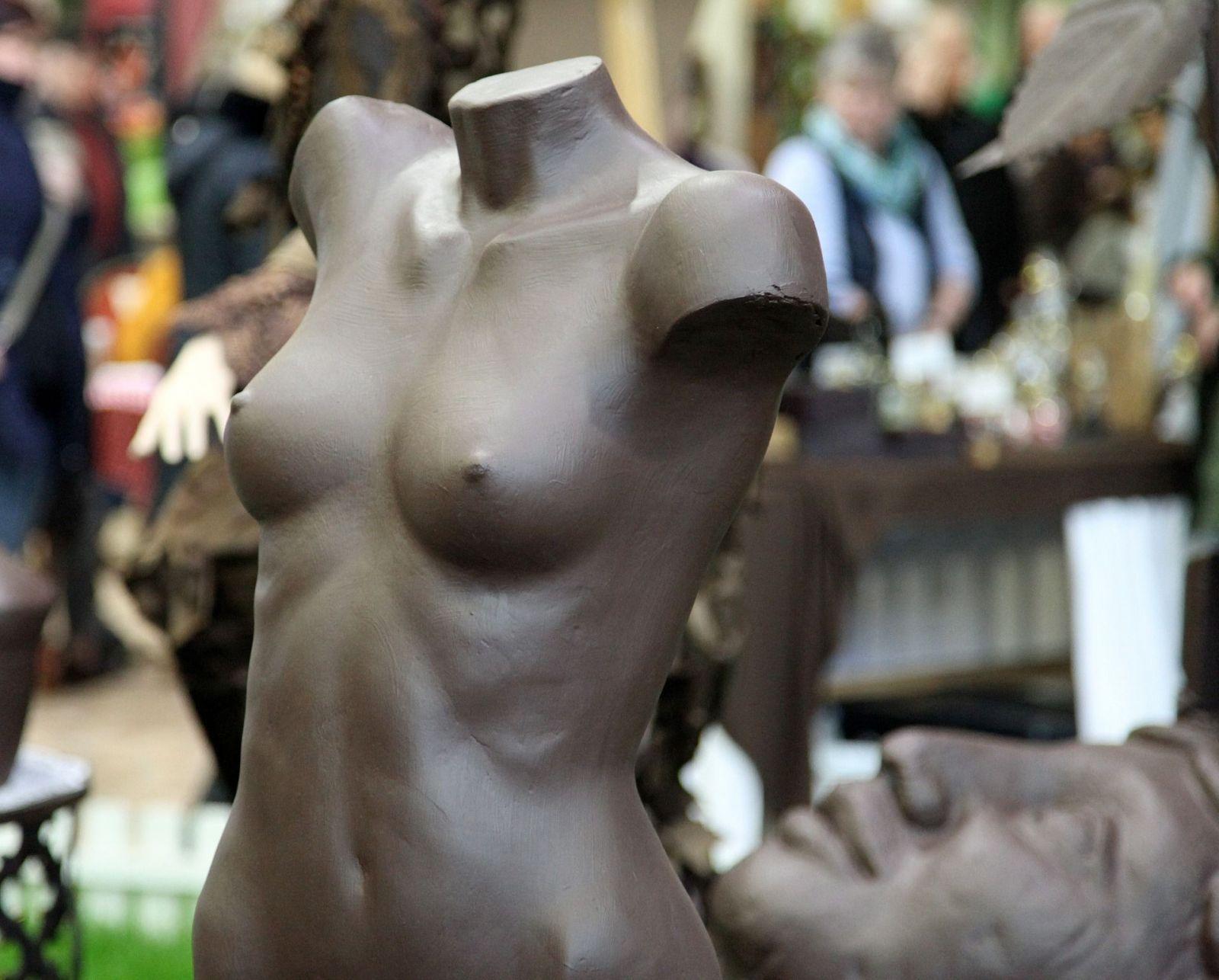 Na slovenských plastických operáciách ušetria krásychtivé Angličanky tisíce eur