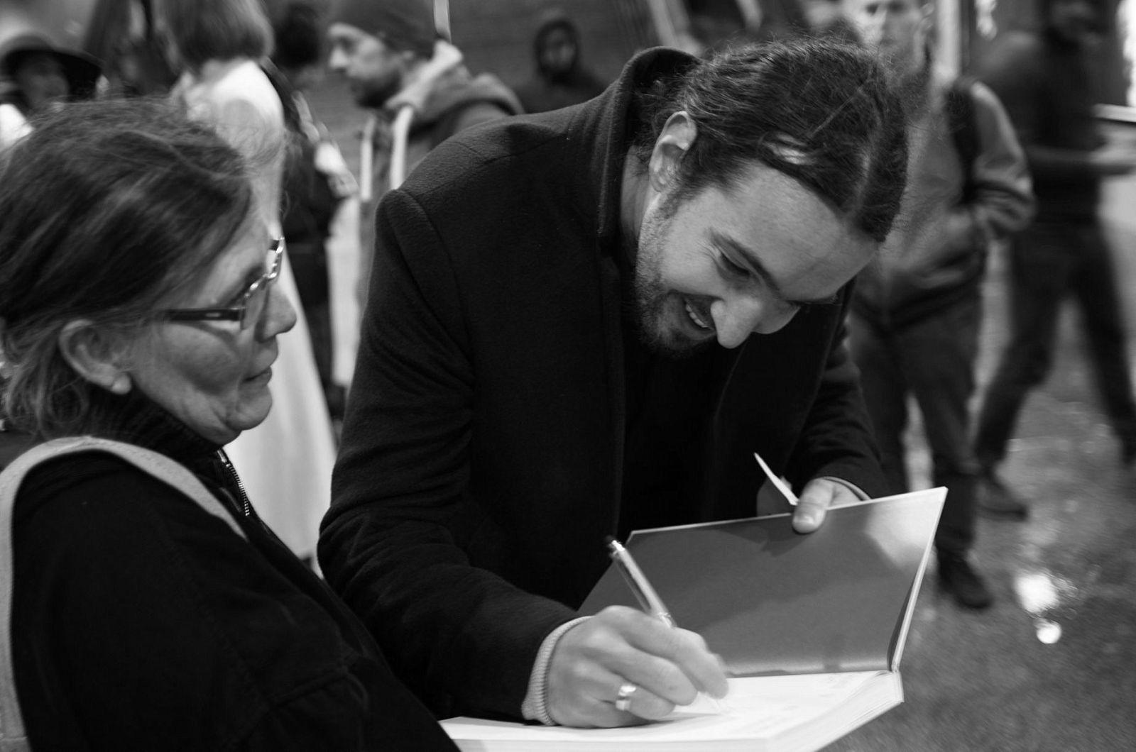 Tresty smrti, mučenie, hlad, strata rodiny. Fotograf a filmár Timotej Križka napísal knihu o politických väzňoch