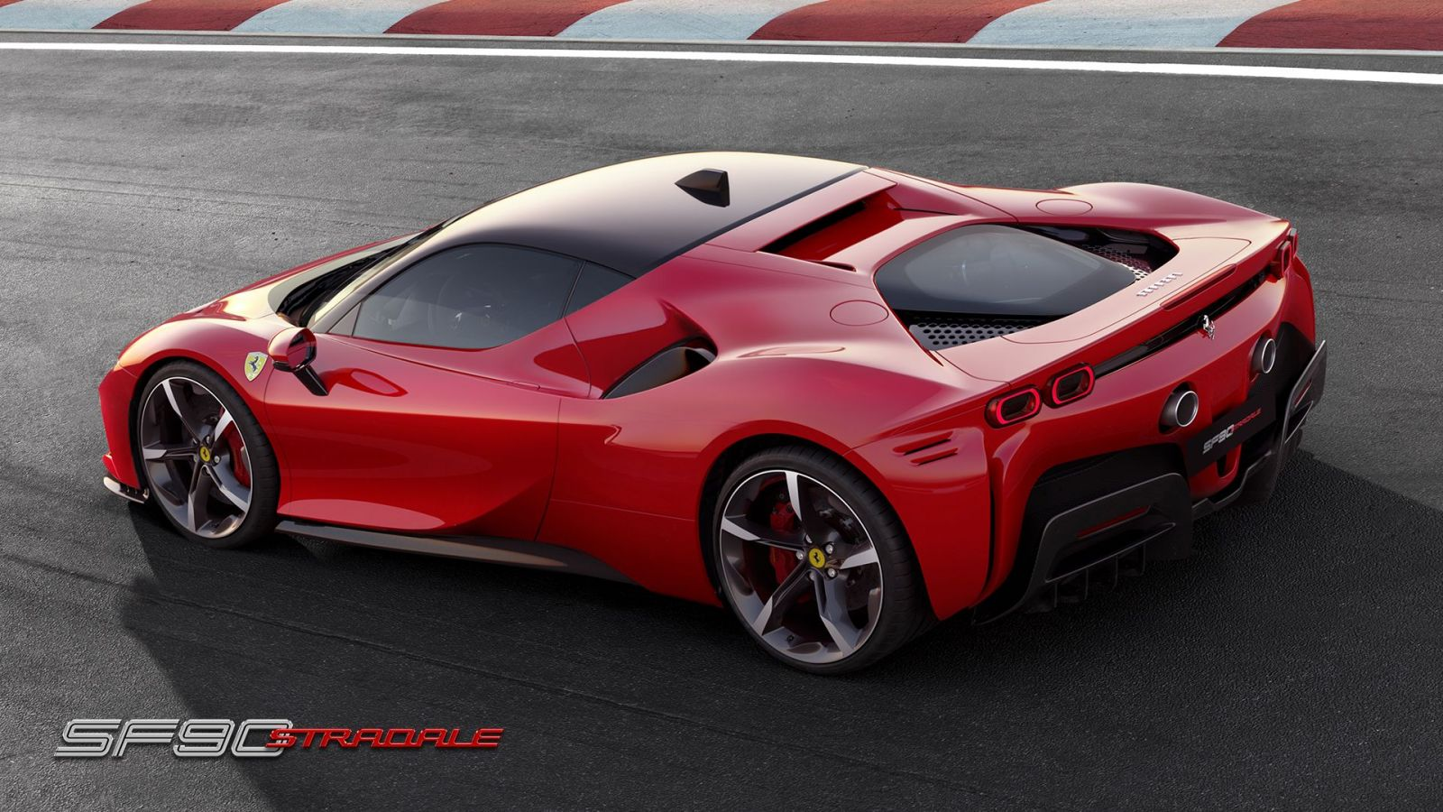 Najsilnejšie sériové Ferrari v histórii vyráža dych. 1 000-koňové Stradale dá 200 km/h za 6,7 sekundy