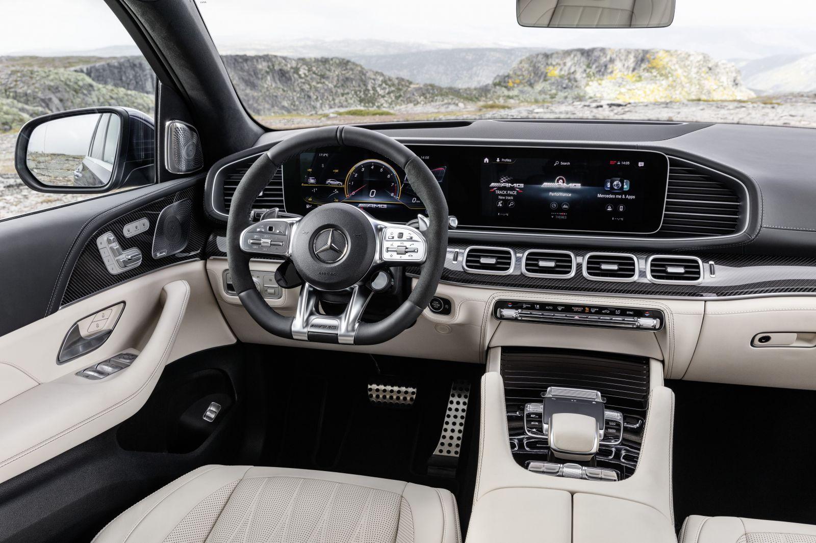 SUV ofenzíva Mercedesu vrcholí 634-koňovými AMG-čkami a ultra-luxusným Maybachom